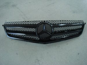 W204 GRILLE TAIWAN (NEW)