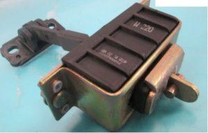 W220 REAR DOOR CHECK LH (USED)