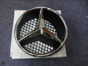 A207 RADIATOR GRILLE STAR (NEW)