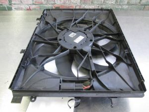W204 RADIATOR FAN (USED)