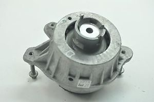 W205 FRONT ENGINE MOUNTAIN (USED)