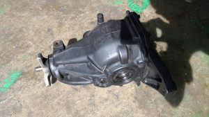 W204 RR AXLE (USED)