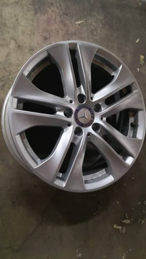 17″ RIM W204. 1 set. 90% ORI (NEW)