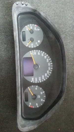 W210 METER / INSTRUMENT CLUSTER (USED)