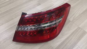 W207 TAIL LAMP (USED)